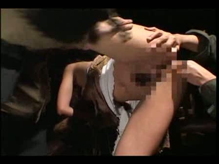 拉致され監禁輪姦される美女たち!